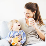 Rosteme každým dnem  aneb výživa kojenců od 4. do 6. měsíce