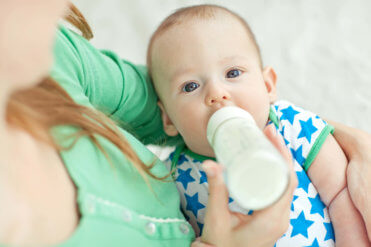 Mýtus 3: Kravské mléko mohou děti pít již od 6. měsíce po ukončení období výhradního kojení