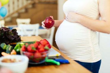 Co nejíst v těhotenství aneb nevhodné potraviny